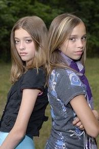 Emilia & Sydney Schmier